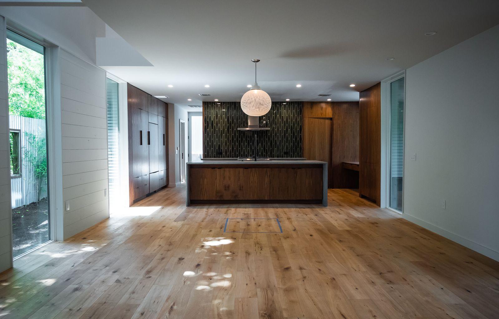 kitchen fullframe.jpg