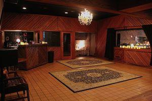 chandelier room.JPG