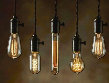 Bulbrite-Nostalgic-Edison-A21-Bulb-1.jpg