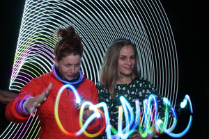 Light Painting Ladies