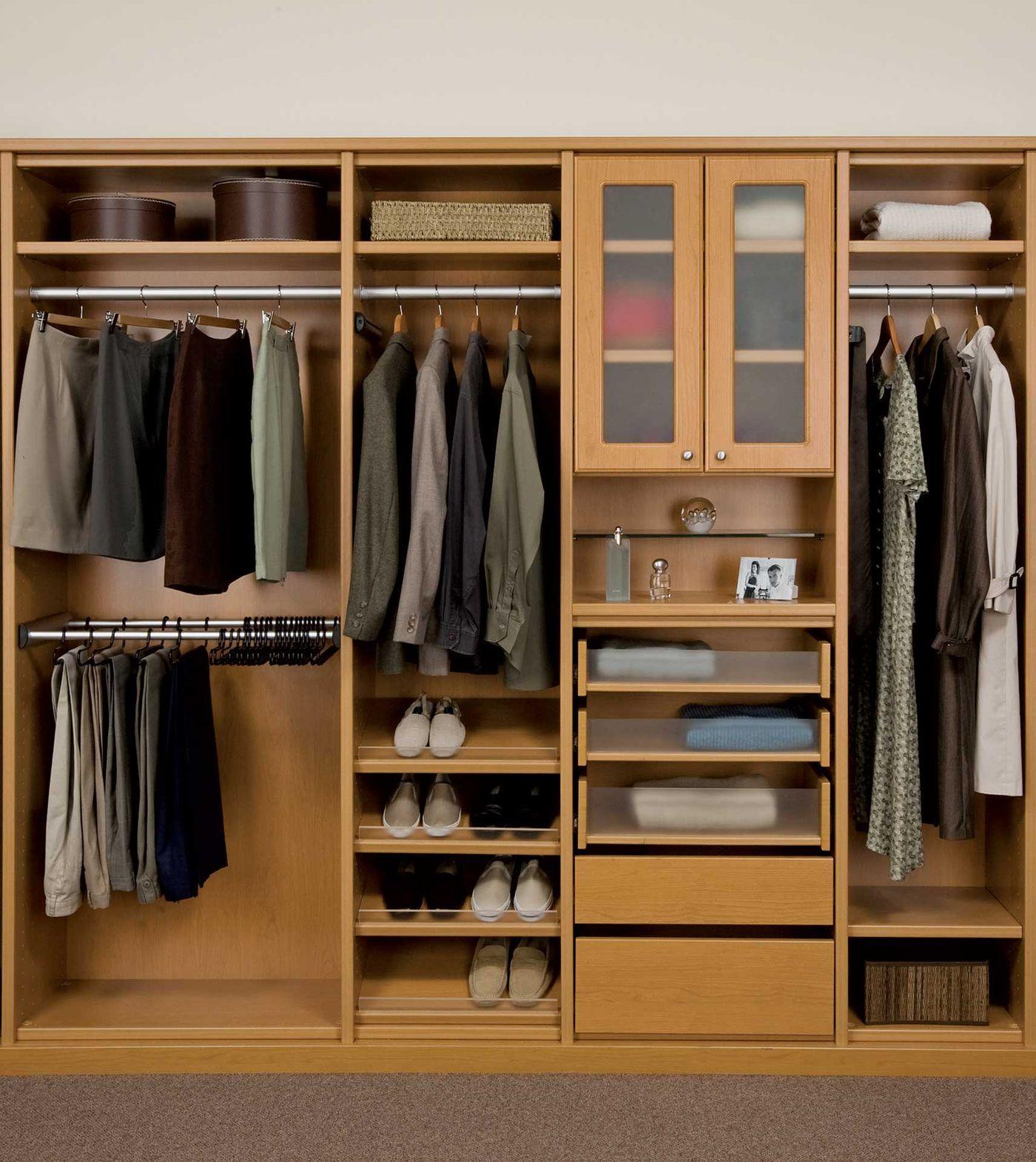 ClosetRI_3_HM_CBD2.jpg