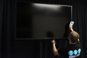 Cleaning a flat screen for rent