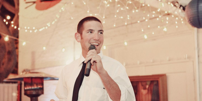 Best man giving a speech at  a wedding