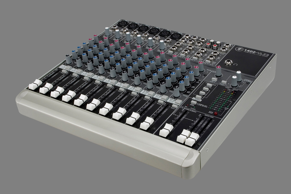 Mackie 1402 mixing console