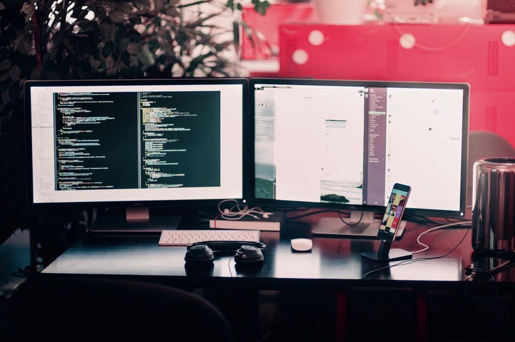 dual_monitors.jpeg