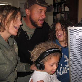 family recording 2011 (2) (resized 450x338)_19988.jpg