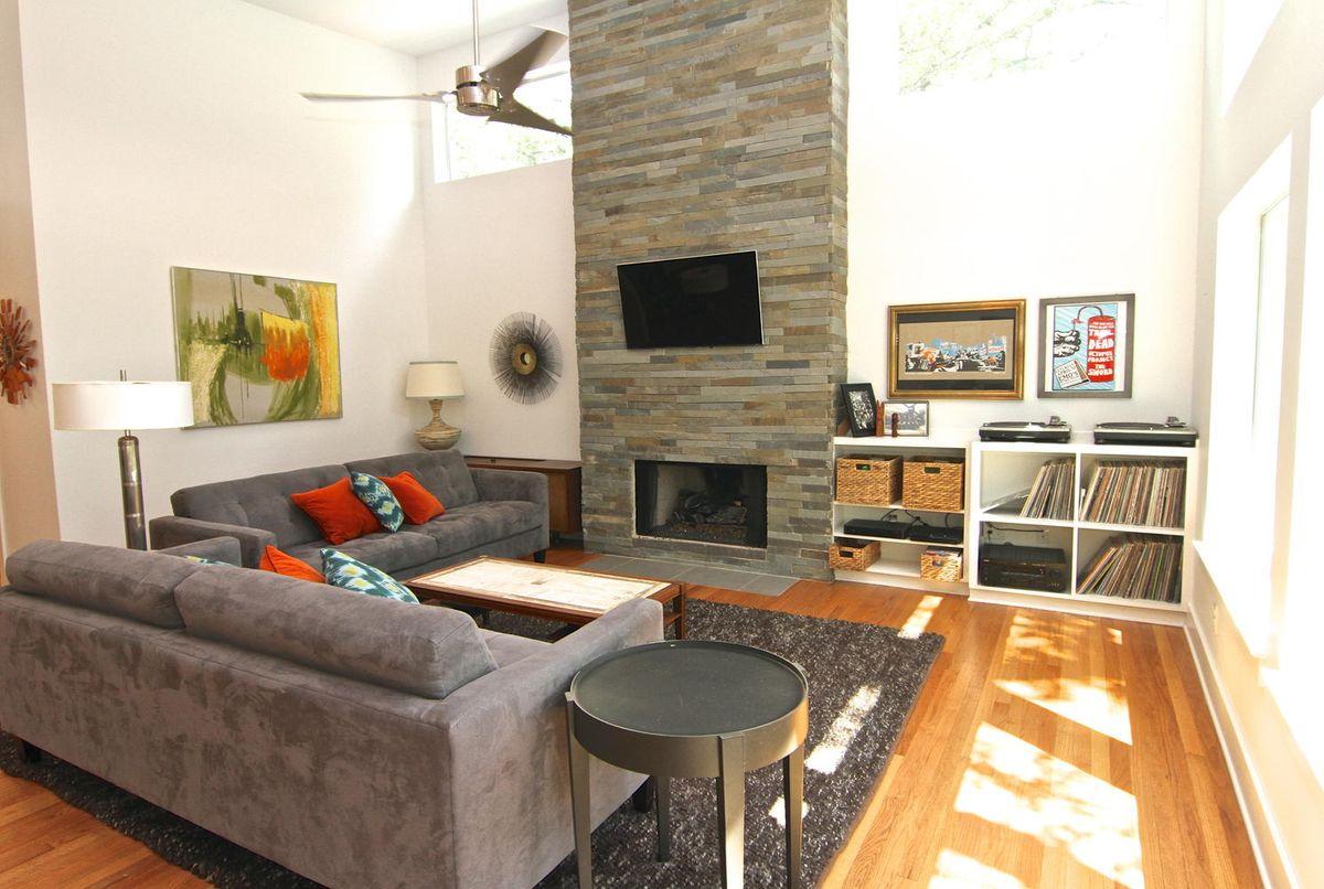 1809 Stanley Avenue Austin TX-large-015-15-Living Room-1488x1000-72dpi.jpg