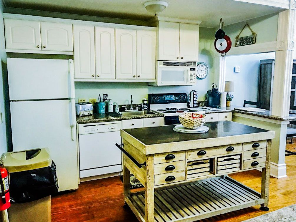 Kitchen-Horiz-edit.JPEG