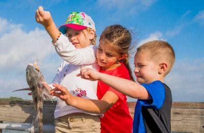 kids with fish400.jpg