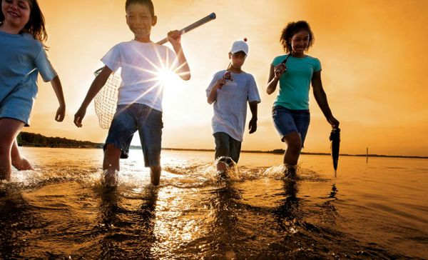 kids fishing 1500.jpg