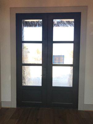 Alicia-Fixed Glass-Interior.jpg