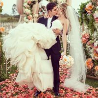 wedding planner bride and groom's first kiss