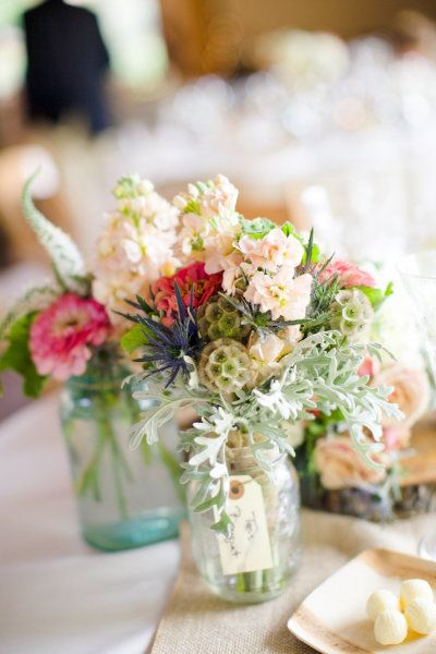 floral arrangements with mason jars