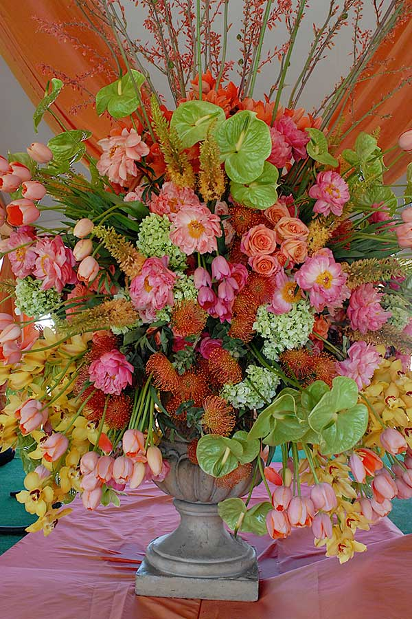 floral arrangements by creative consultants