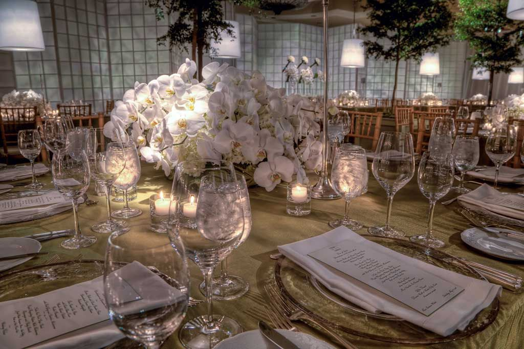 floral and table arrangements for weddings