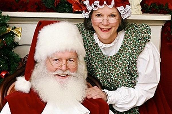Santa Bernie & Mrs Claus2.jpg