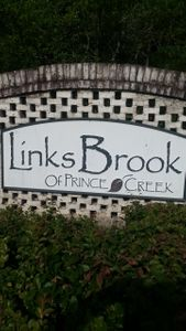 Linksbrook Sign.jpg