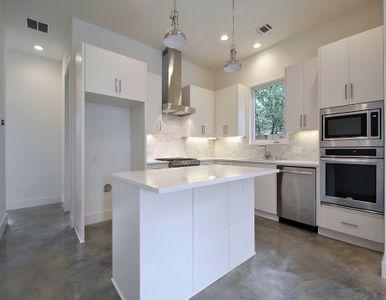2010 Goodrich Ave 1B-large-016-Kitchen 002-1500x994-72dpi.jpg