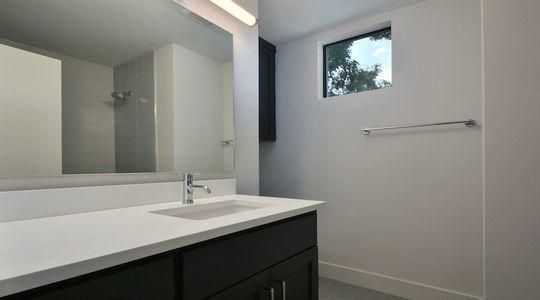 2500 E 3rd St Unit A-print-029-Other Bath 900x500.jpeg