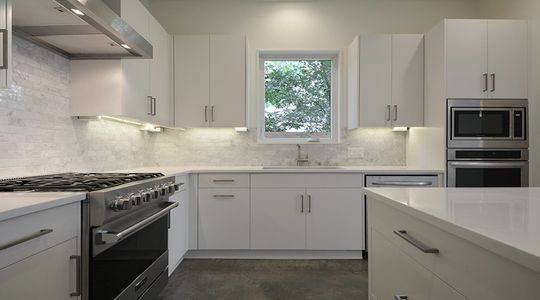 2010 Goodrich Ave 1B-large-017-Kitchen 004-1499x1000-72dpi.jpg