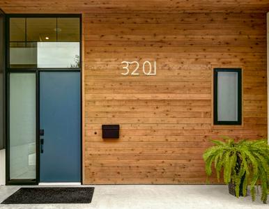 900x700 front door glow.jpg