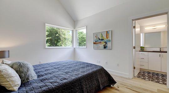 2010 Goodrich Ave Unit 4B-large-029-25-Other Upper Hall 337-1500x1000-72dpi.jpg