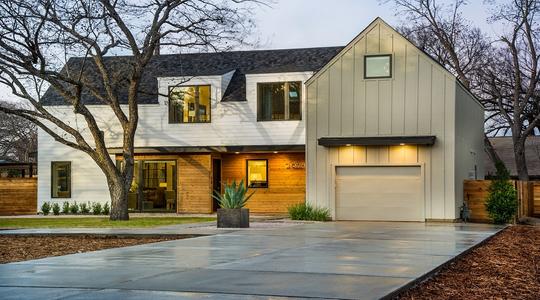 sh2015_garage_exterior-garage-driveway_WEB.jpg
