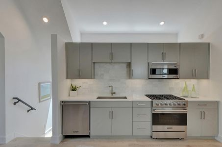 2010 Rabb Glen St Unit kitchen.jpg