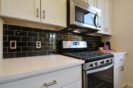 2501 E 4th St Unit A-print-026-Family Kitchen and Dining 048-4200x2803-300dpi.jpg