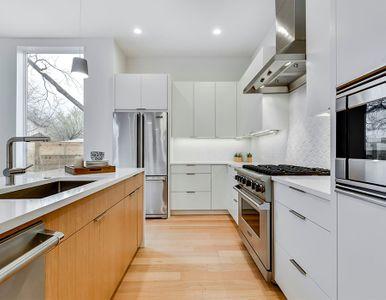 Modern white kitchen 6A