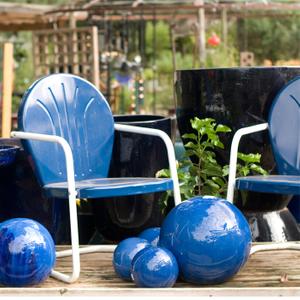 Blue-Retro-Chair-and-Balls.jpg