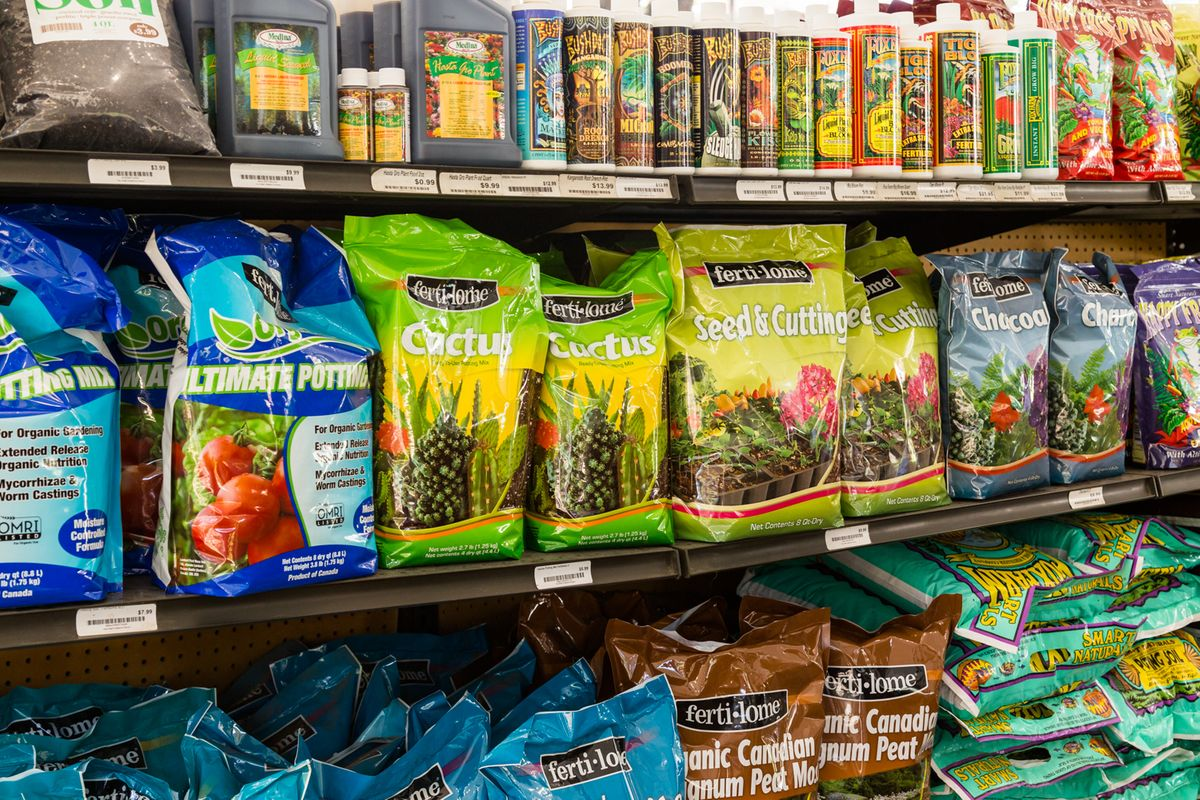 The Great Outdoors Soil and Fertilizers