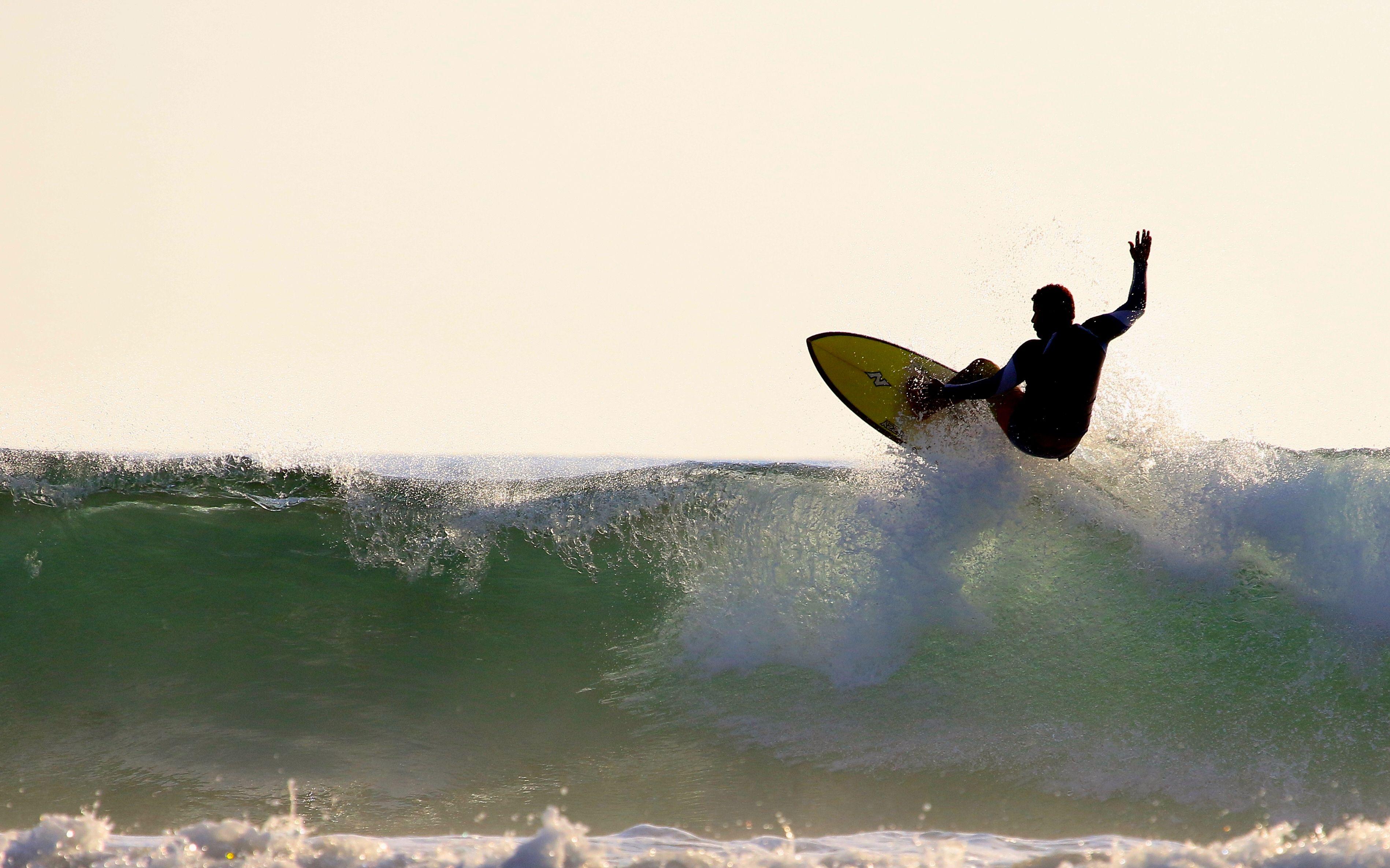 Alonso surf.jpg