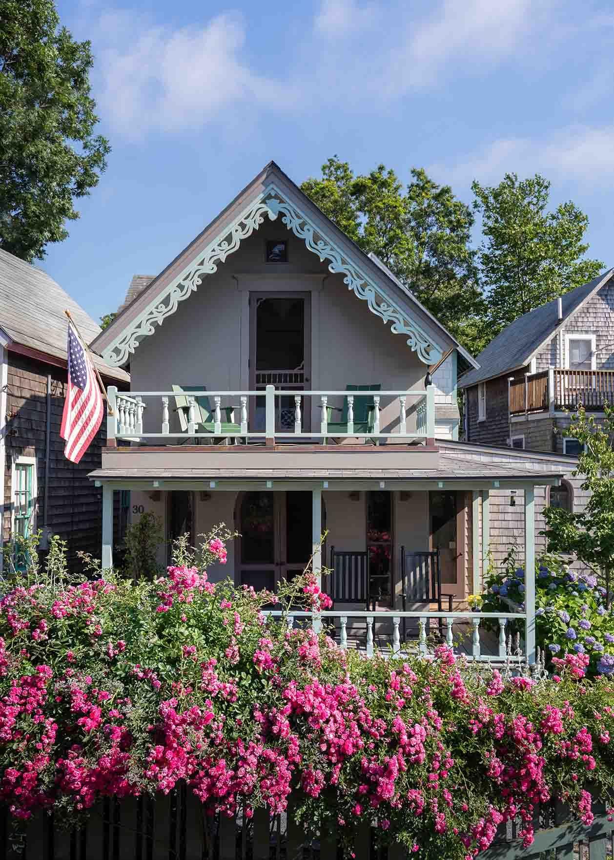 1_Martha's Vineyard Cottage.jpg