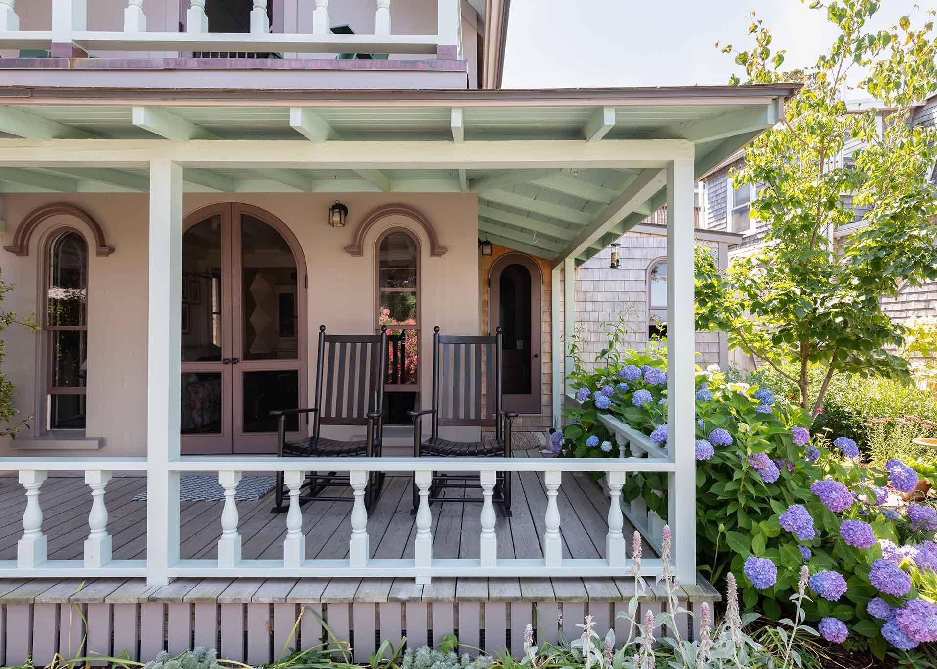 3_Martha's Vineyard Cottage.jpg