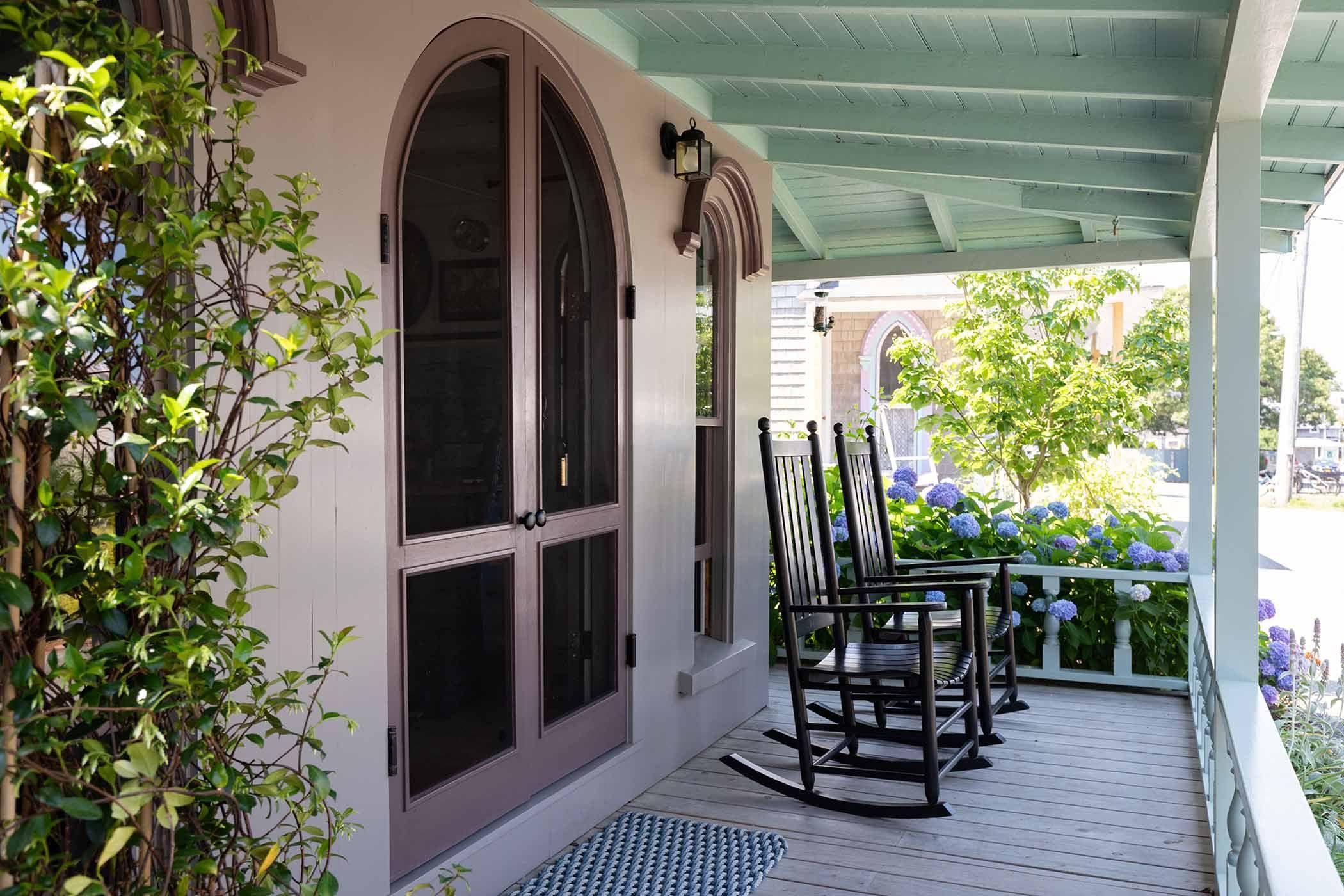4-Martha's Vineyard Cottage.jpg