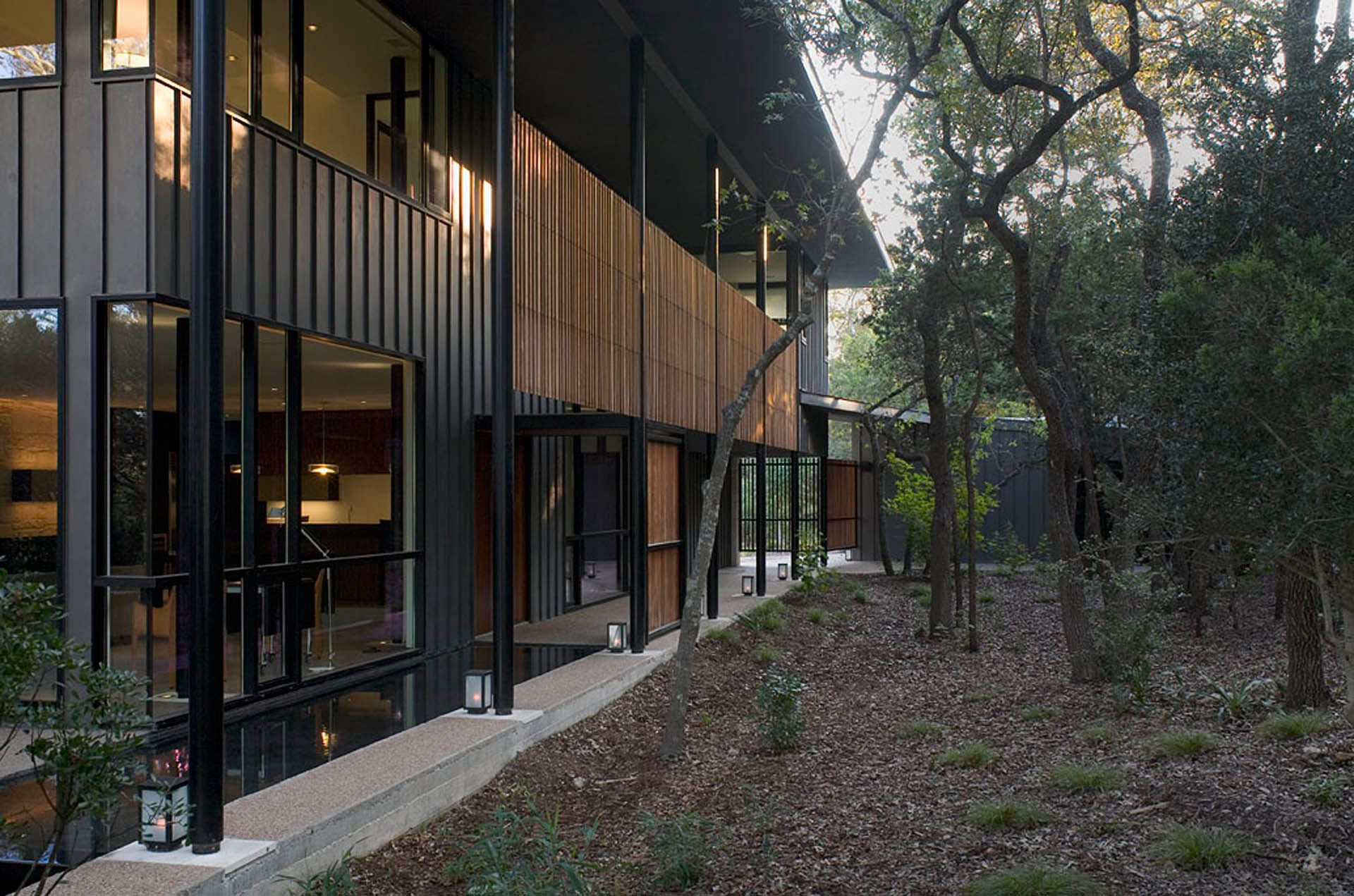 houseintrees 2 ext side.jpg