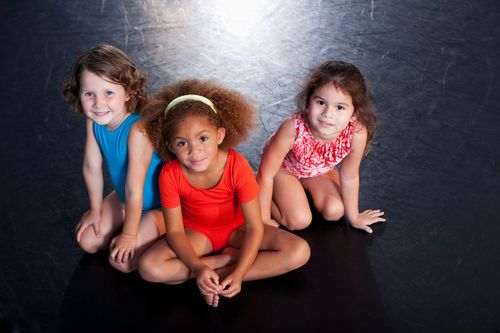Little-girls-wearing-leotards-171304915_3869x2579.jpeg