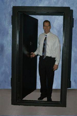 Vault_Door_060203SM_1032_Websize.jpg