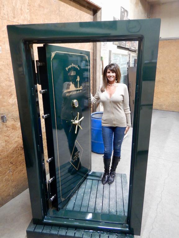Magnum Extreme Deluxe Vault Door ... & Magnum Extreme Deluxe Vault Door - Building Vault Doors for 35 Years