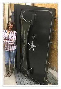 Stainless Steel Deluxe Vault Door