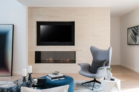 40-laurelwood_CWP with TV.jpg