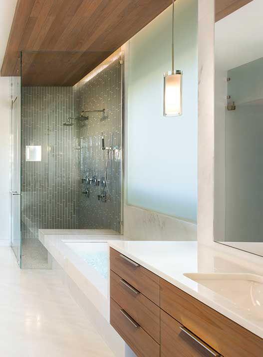 9_Rivercrest_Master-Bath-Tub-Shower.jpg
