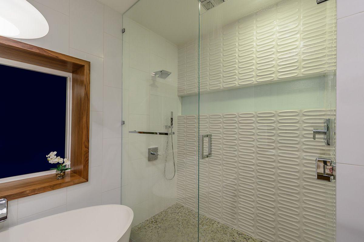 Samford_Bath2B_PORT.jpg
