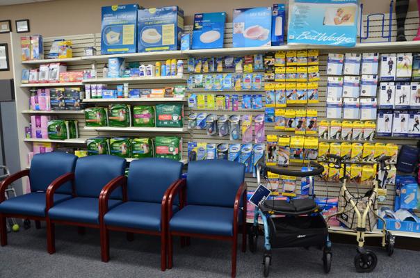 Towncrest_Pharmacy_03.JPG
