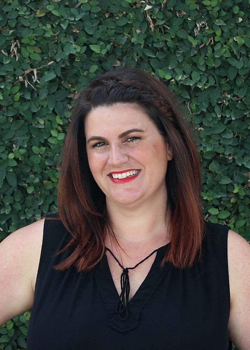 Shannon Peterka, Senior Stylist