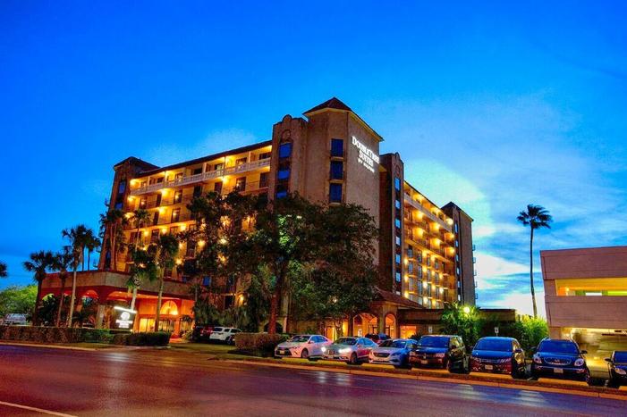 Hotel Exterior Night 16 .jpg