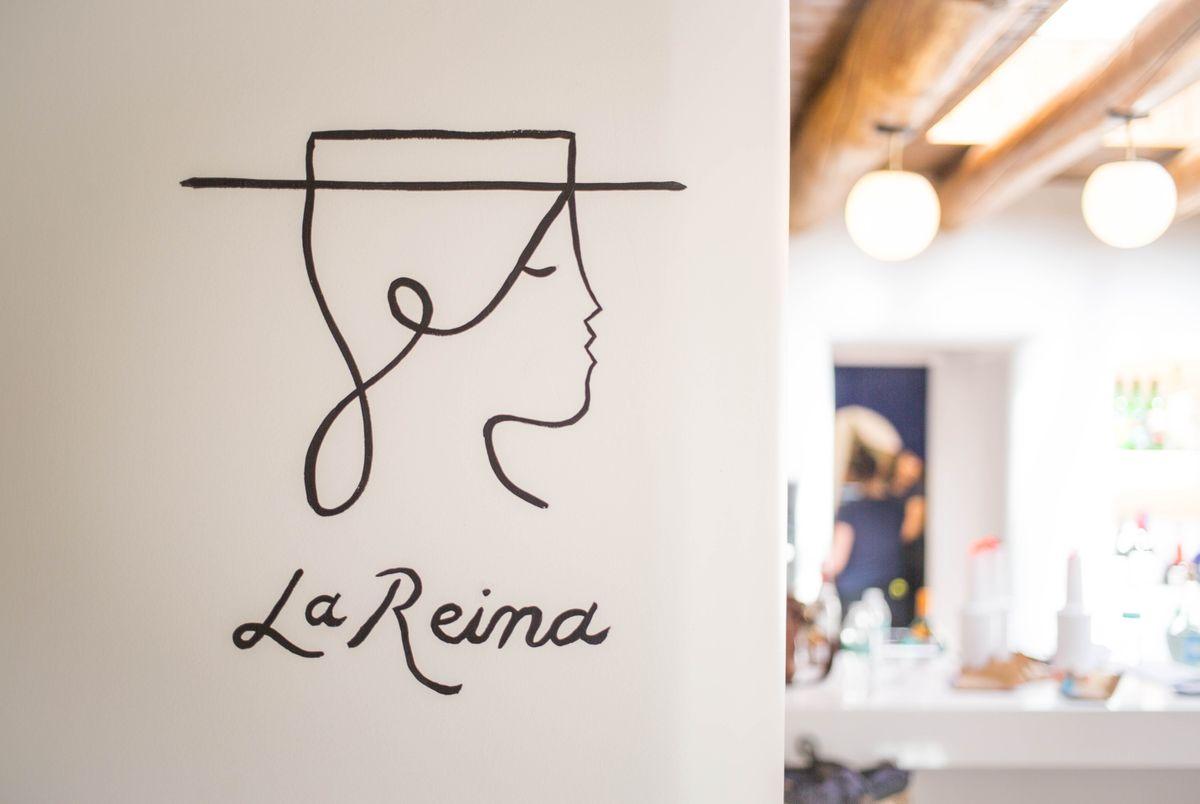 LA_REINA_at_El_Rey_Court-21_v1_current.jpg
