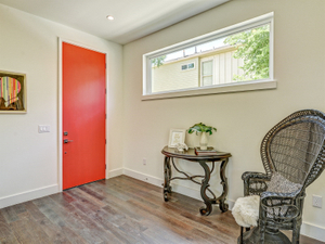 78704-home-staging-front-entryway-panacea.jpg