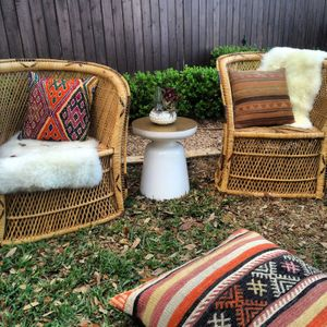 pillow rentals for events